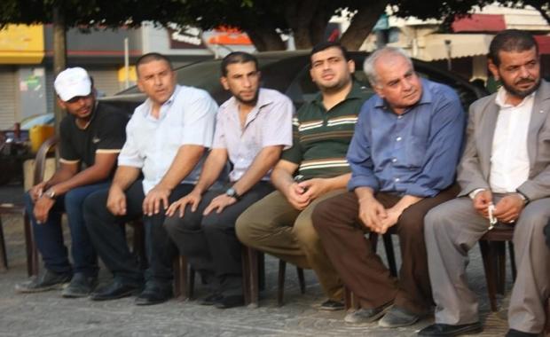 بالصور : حركة المجاهدين تشارك في خيمة عزاء الشهيد الرضيع علي الدوابشة