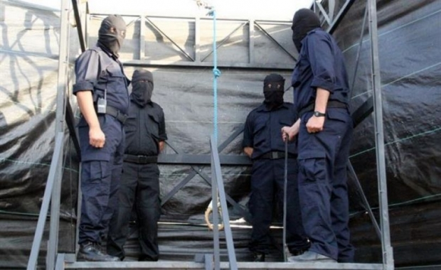 الحكم بإعدام خمسة متخابرين مع الاحتلال